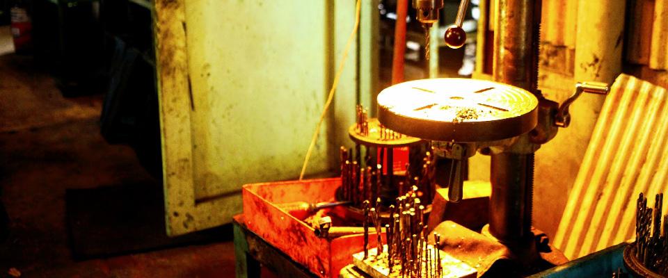 木原金属工芸社の製造風景