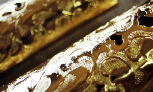 小柱金具の金メッキ加工